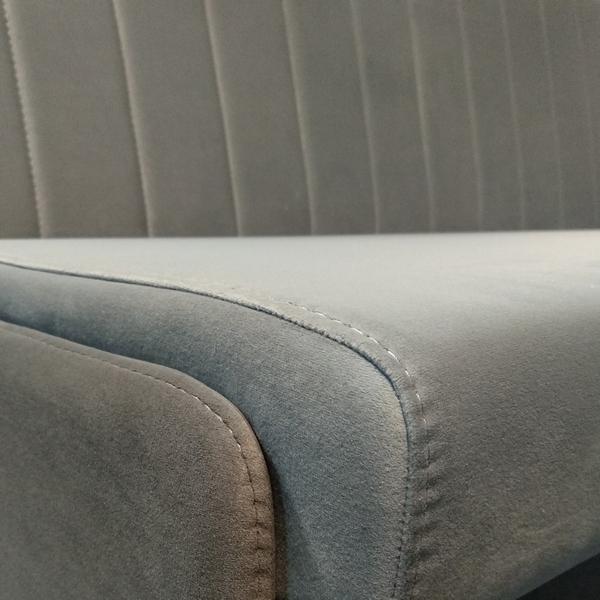 Качество шовных соединений на углах сиденья дивана НИКА